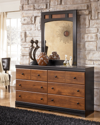 Ashley Furniture B136