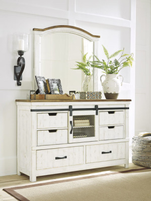 Ashley Furniture B549