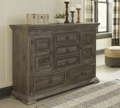 Ashley Furniture B813