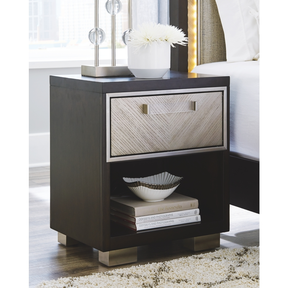 Ashley Furniture B724